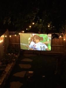 backyard-movie-projector